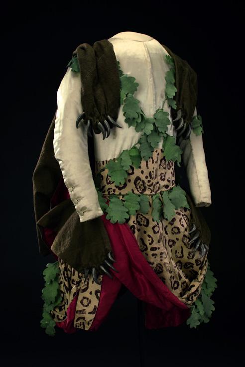 En vildes klädning. Hertig Karls dräkt, Dianas fest 1778, han uppträdde som faunernas anförare Nessus. LRK 29290.